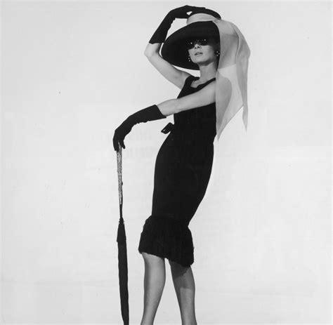 das kleine schwarze chanel mode die aufregendsten schwarzen kleider aller zeiten welt