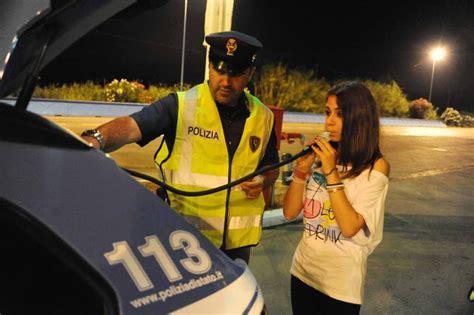 Ragazze Al Volante Donne E Alcol Al Volante