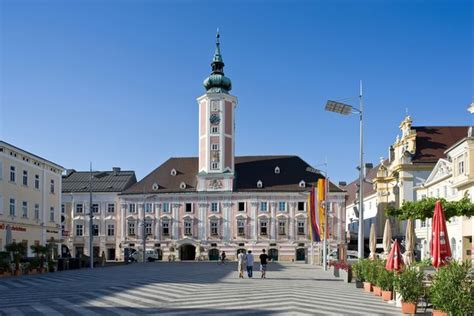 St Pöltner Rathaus Eines Der Schönsten Wahrzeichen St