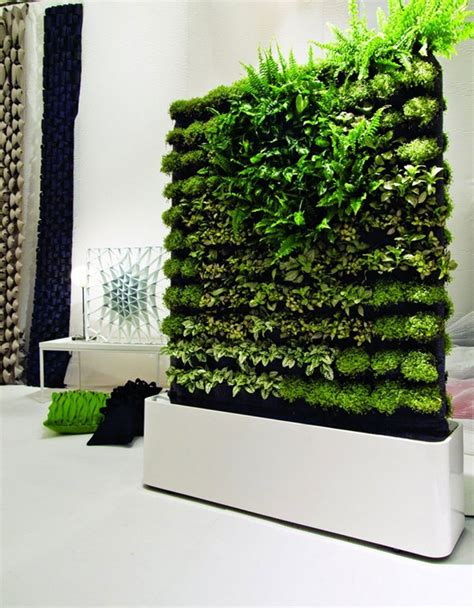 vertical wall garden ideas wall garden design 4 techniques to create a wall garden inspirationseek com