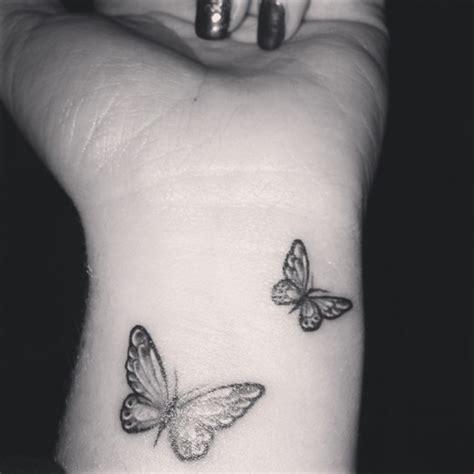 Tatouage Papillon Poignet  Les Tatouages