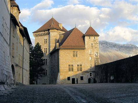 chambre d hotes annecy et environs chambres d 39 hôtes au château d 39 annecy et ses environs