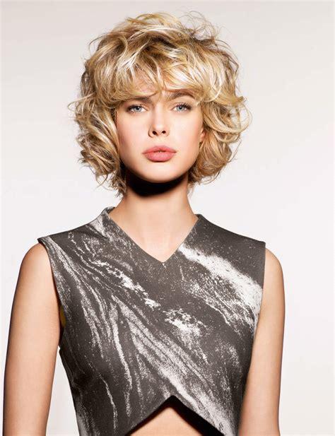 coupe de cheveux effilã coiffure carre court degrade frise