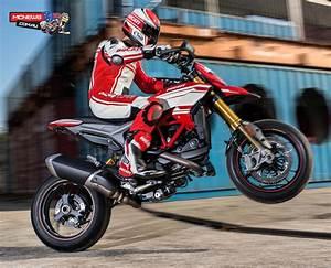 Ducati Hypermotard 939 Sp : ducati hypermotard 939 hyperstrada ~ Medecine-chirurgie-esthetiques.com Avis de Voitures