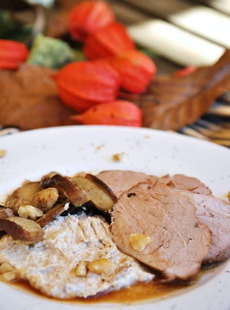 filetto di maiale come cucinarlo filetto con noci e funghi essenza in cucina