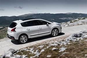 Peugeot Hybride Prix : peugeot 3008 hybrid4 85g 2015 vs mercedes glc 250 d 4matic 2015 ~ Gottalentnigeria.com Avis de Voitures