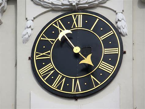 Pulkstenis Viļņas pilī zvanu tornī