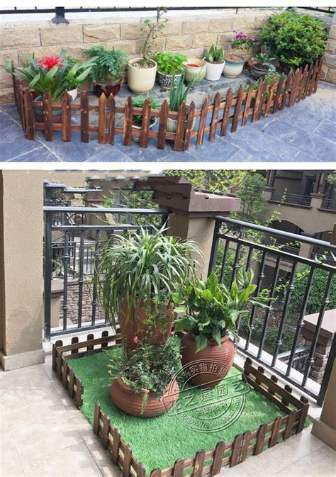 desain pagar taman kayu sederhana