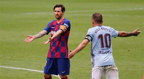 Lionel Messi ignores assistant coach Eder Sarabia during ...