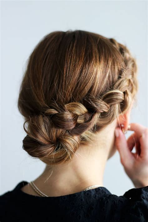 best 25 bun tutorials ideas on pinterest messy bun