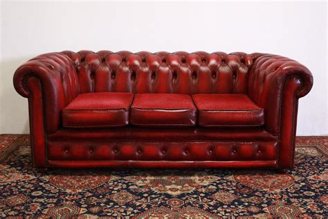 Divano Chesterfield Club 3 Posti Bordeaux (704)