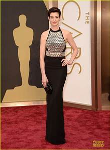 Full Sized Photo of anne hathaway flashy entrance on ...