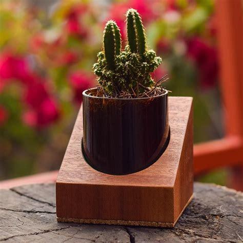 contoh gambar vas bunga  tanah liat contoh top
