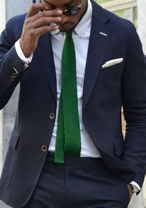 Schwarzer Anzug Blaue Krawatte : matcha slips med skjorta och kostym ~ Frokenaadalensverden.com Haus und Dekorationen