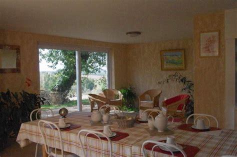 gar輟n de chambre gîtes de tarn chambre d 39 hôtes la borie neuve n g2053 à bellegarde marsal dans le tarn en occitanie location de vacances tarn