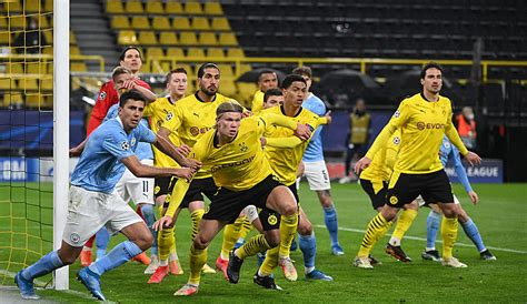 Ohio rockers who combine a striking dark gothic image with a sound that looks to metalcore, shock rock, punk, and glam metal for inspiration. BVB gegen Manchester City: Die Pressestimmen zum Champions ...