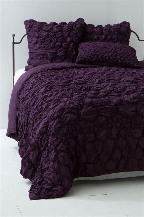 plum colored bedding quilt plum anthropologie plum ideas