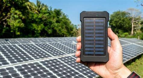 lade con pannello solare power bank con pannello solare convengono per davvero