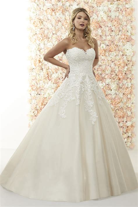Romantica Wedding Dresses Page 2 hitched co uk