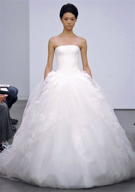 Strapless Ball Gown Tulle Wedding Dress Vera Wang Fall