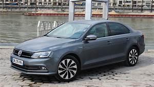 Volkswagen Jetta Hybride : essai vid o volkswagen jetta restyl e du neuf avec du vieux ~ Medecine-chirurgie-esthetiques.com Avis de Voitures