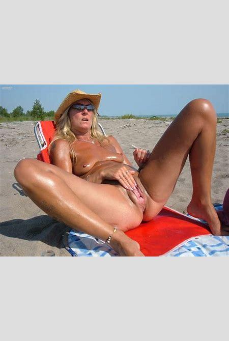 Beach Voyeur Images image #88864