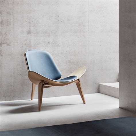 the ch07 shell chair by carl hansen