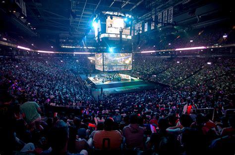 broadcasters  esports  bring millennials