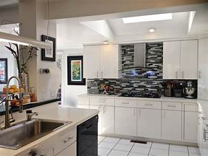 Rooms viewer hgtv for Kitchen colors with white cabinets with large metal flip flop wall art