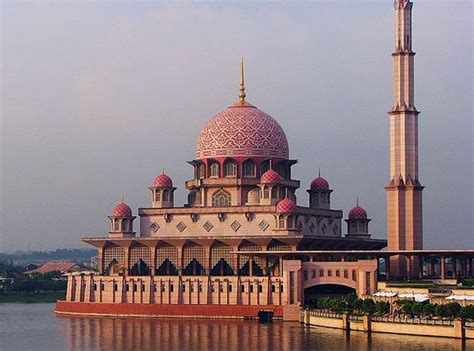 red mosque  photo  putrajaya west trekearth
