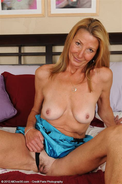 Housewife Pam Display Her Still Sexy Naked Body Milf Fox