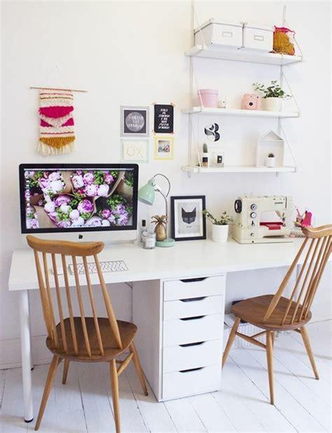 bureau pour deux comment décorer un bureau laqué blanc 61 photos