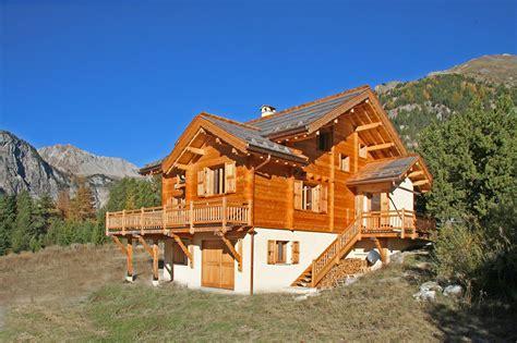 constructeur chalet hautes alpes constructeur de chalet en bois massif les chalets vrais queyras