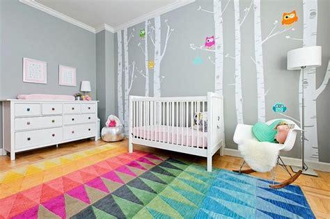 mur chambre bébé stickers chambre bébé fille pour une déco murale originale