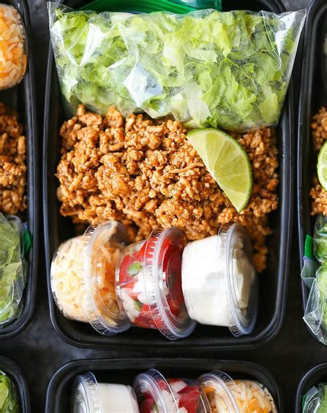 Add the turkey, egg whites, oats, and spices to the bowl and mix thoroughly. Www. Diabetic Recipes Ground Turckey : 11 Ground Turkey Recipes for Your Clean Eating Plan ...