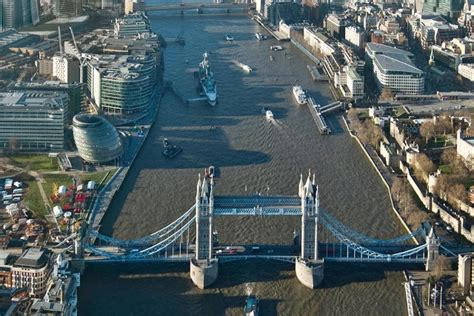 londoners  pay   year  thames clean
