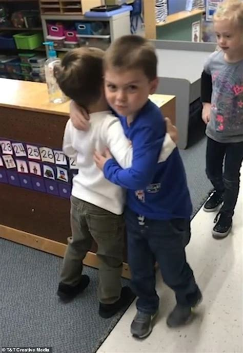preschoolers choose which way they will greet 975 | 5615400 6337543 image a 36 1541002958181