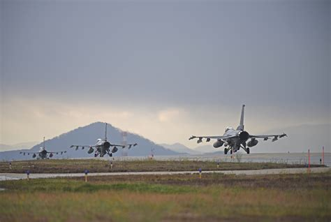 Kunsan AB Resumes Flying Operations After F-16 Crash - Air ...