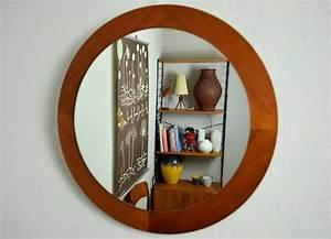 Runder Spiegel Holz : die besten 25 spiegel holzrahmen ideen auf pinterest spiegel mit holzrahmen treibholz ~ Indierocktalk.com Haus und Dekorationen