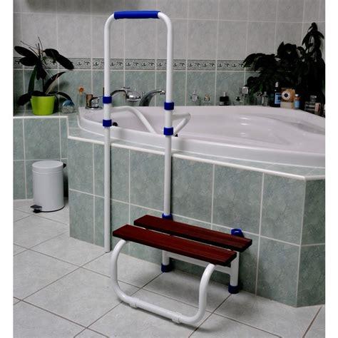 accessoires baignoire pour personnes agees accessoire salle de bain sortie de bain acceo