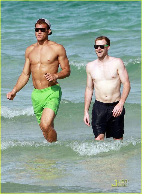 blake griffin shirtless miami beach sun justjared ggxx5 hunk ch