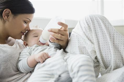 Its Ok For Breastfed Babies To Have Formula Popsugar Moms