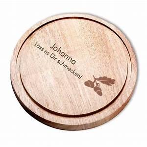 Schneidebrett Holz Rund : holz schneidebrett rund individuell mit gravur geschenkplanet ~ Markanthonyermac.com Haus und Dekorationen