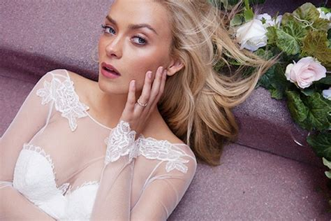 Le Vie En Rose; Sexy, Gorgeous, Katie May Wedding Dress