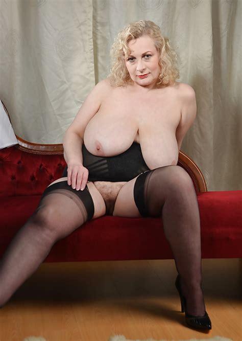 Mature British Housewife Mrs C 19 Pics