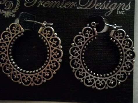 Attention Premier Designs Detailed Hoop Earrings