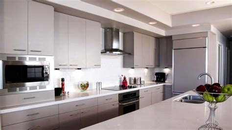 Matching Countertop and Backsplash: Up Your Kitchen's