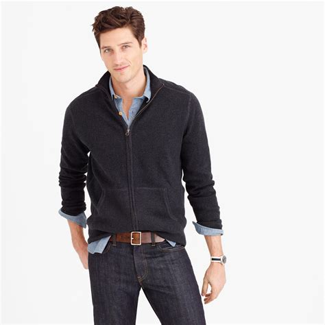 Men Sweaters Offer You Versatile Fashionable Looks