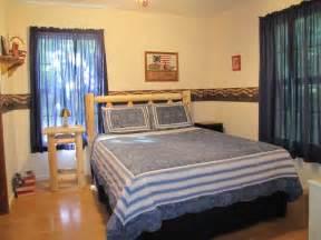 fish  bear  bedroom cabin rental