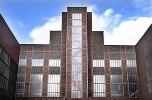 Bauhaus Architektur Merkmale : ronald mcdonald haus essen das hundertwasser haus im grugapark aufnahme mai 2007 staedte ~ Frokenaadalensverden.com Haus und Dekorationen